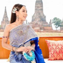 รีวิว ชุดไทยจักรพรรดิสีน้ำเงิน
